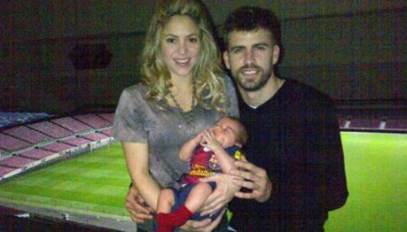 Shakira y Mílan apoyando a Gerard Piqúe