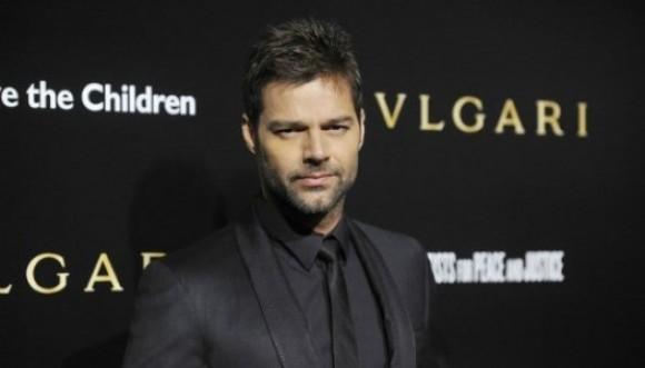 Ricky Martin podría encarnar a gay en serie de T.V.