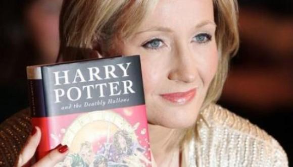 La creadora de Harry Potter hoy cumple años