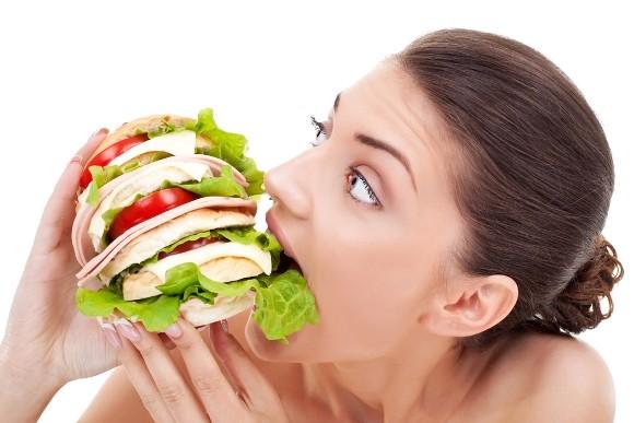 Malos hábitos que engordan