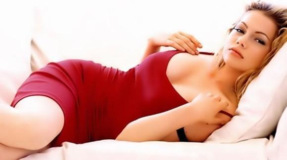 Vestir de rojo te hace ver más atractiva