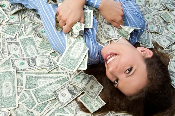 mujer-exitada-dinero