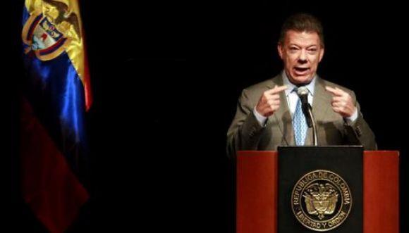 Santos, voto en blanco e indecisos puntean las encuestas