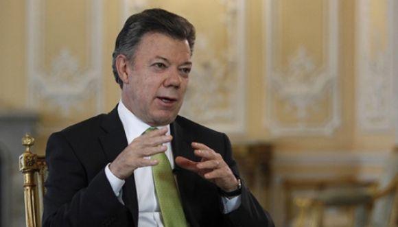 Santos anunció su aspiración a la reelección