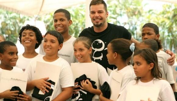 Ricky Martin lanza su escuela de padres: Piccolouniverse
