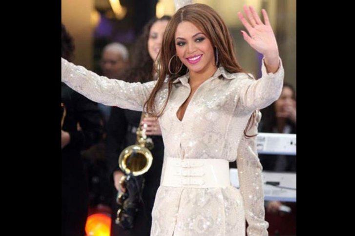 Beyonce aparece en esta foto con un tercer brazo