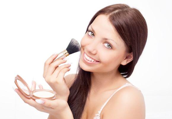 Tutorial para realizar un bonito y juvenil maquillaje