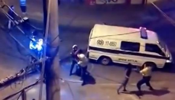 Video: ¿Abuso de autoridad o cumplimiento de la ley?