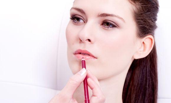 Cómo utilizar un lápiz de labios