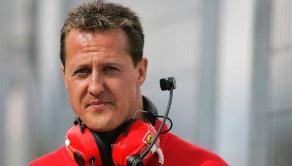 Periodista se disfraza de cura para ver a Schumacher