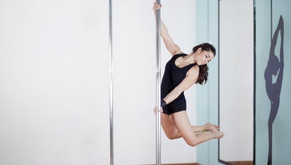 El peor tutorial para practicar pole dancing