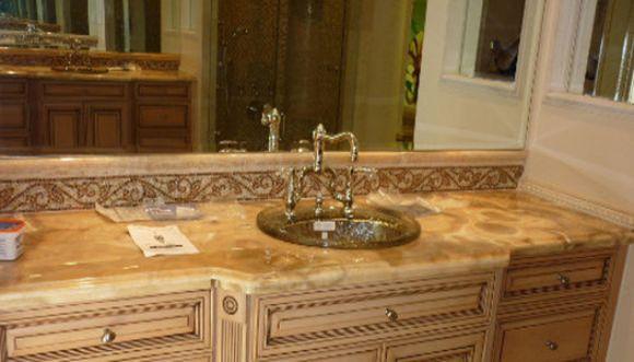 Los baños de la mansión de Piraquive