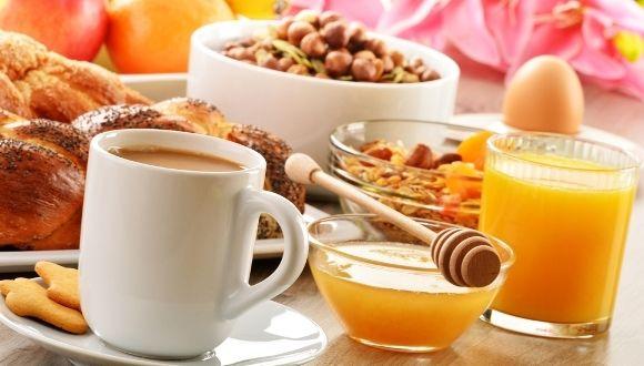 Experta habla de los beneficios de desayunar