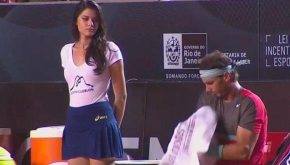 Rafa Nadal, cautivado por una recogebolas en el ATP de Rio