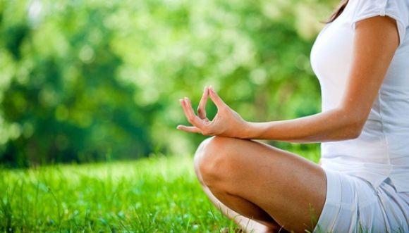 Reduce el estrés laboral con meditación