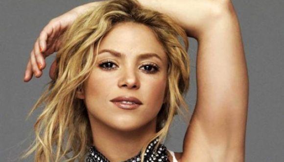 """Shakira dice: """"Me cuesta ser mamá y artista a la vez"""""""