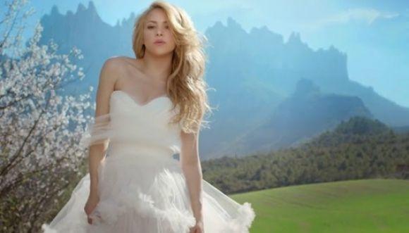 Shakira desató ira y criticas en España por su nuevo álbum