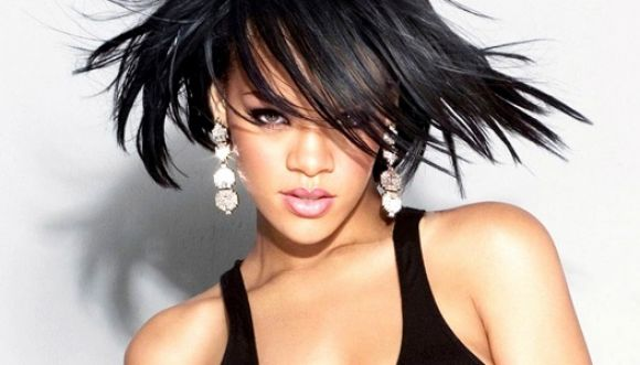 """Rihanna galardonada como """"icono de la moda"""" 2014"""