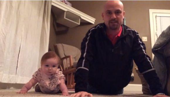 Diviértete y haz ejercicio con un bebé en 90 segundos