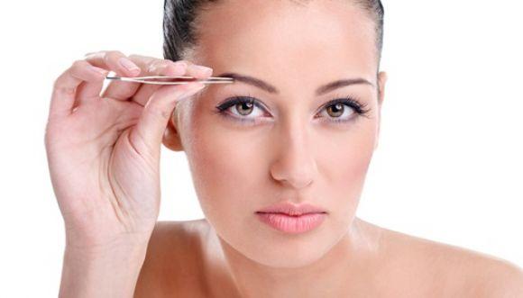 3 pasos efectivos para depilar tus cejas