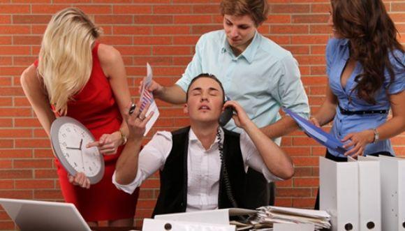 ¿Cómo manejas situaciones incómodas en tu oficina?