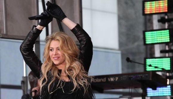Shakira se cae en pleno rodaje