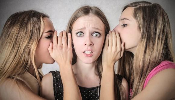 Un chisme no saca otro chisme: la cura es peor que la enfermedad