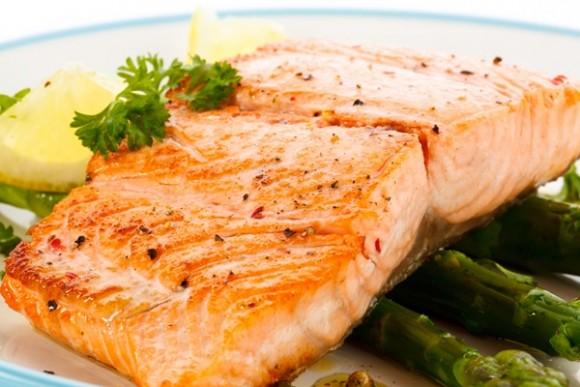¿Por qué deberías comer salmón?