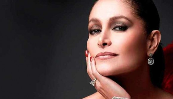 Cumpleaños Daniela Romo: en inglés, francés e italiano