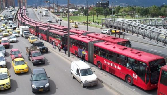 Tú sabes ¿por qué NO funciona TransMilenio? Video
