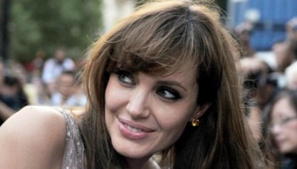Angelina Jolie y su vestido de novia