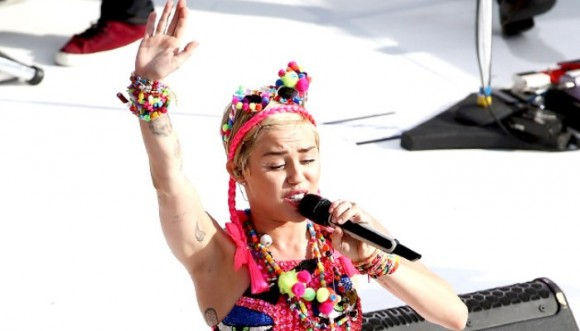 Miley Cyrus se cansó del Twerking y ahora baila el Nae Nae