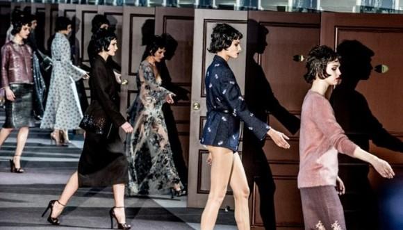 Victoria Beckham, Zoë Saldana y otras estrellas en Louis Vuitton