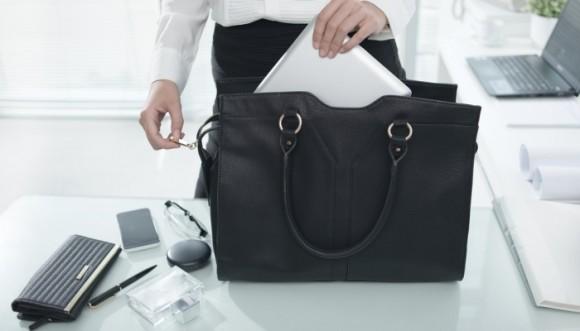 ¿Qué cartera llevar a la oficina según tu cuerpo?
