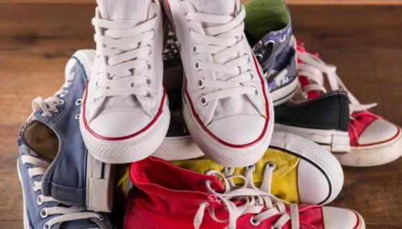 Aprende a combinar tus tennis o zapatillas