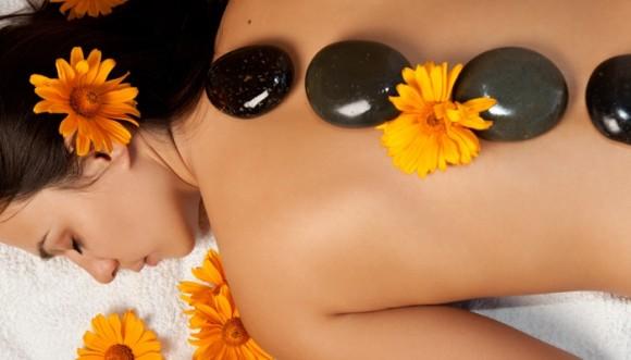 ¿Quisieras un masaje con piedras calientes?