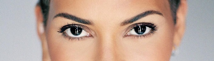halle berry ojos