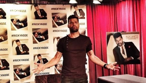 """""""A quien quiera escuchar"""" el nuevo disco de Ricky Martin"""