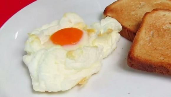 Huevos en las nubes (receta)