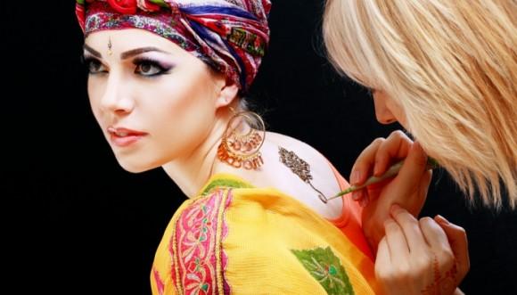 Tatuajes de Henna: el plan para este puente