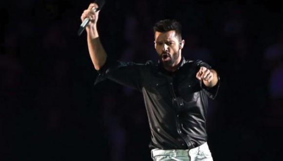Ricky Martin pone de moda la falda