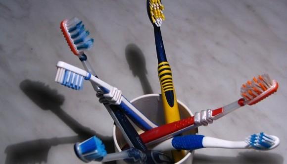 Cepillos de dientes tendrían mucho... ¿Qué?