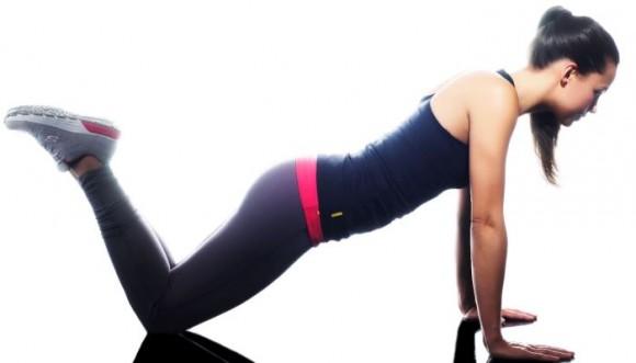 ¿Cómo debemos hacer flexiones de pecho las mujeres? Tutorial