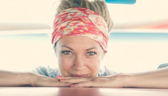 4 formas de llevar una pañoleta en la cabeza (Tutorial)