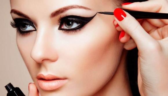 15 Tips para lograr el delineado de ojos perfecto