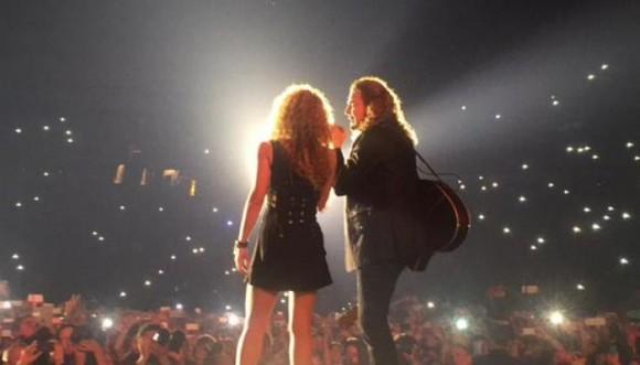 Shakira sorprendió a Maná en pleno concierto (Video)
