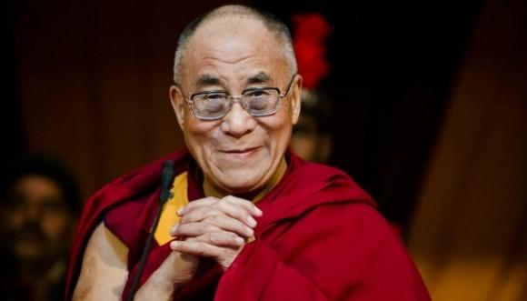 Debe ser atractiva la mujer que me reemplace, Dalai Lama