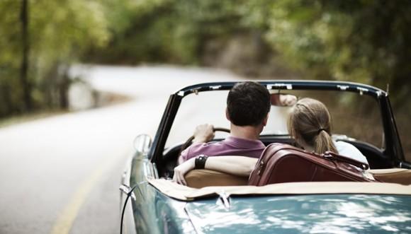 Viajar en carro podría salvar tu relación, según estudio