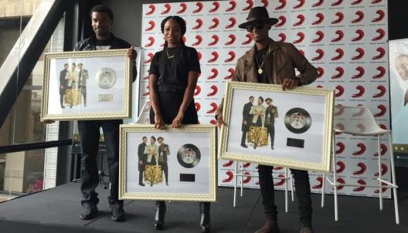 ChocQuibTown recibió Disco de Platino... ¡Felicidades!