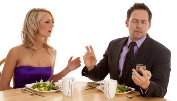 Phubbing: el nuevo enemigo de tu relación
